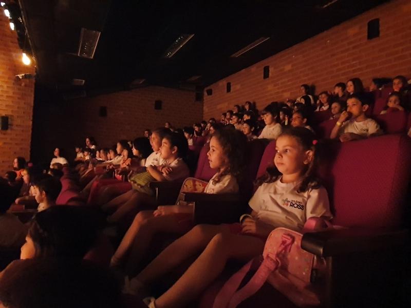 Procuro por Colégio Educação Infantil com Teatro Vila do Bosque - Centro de Educação Infantil